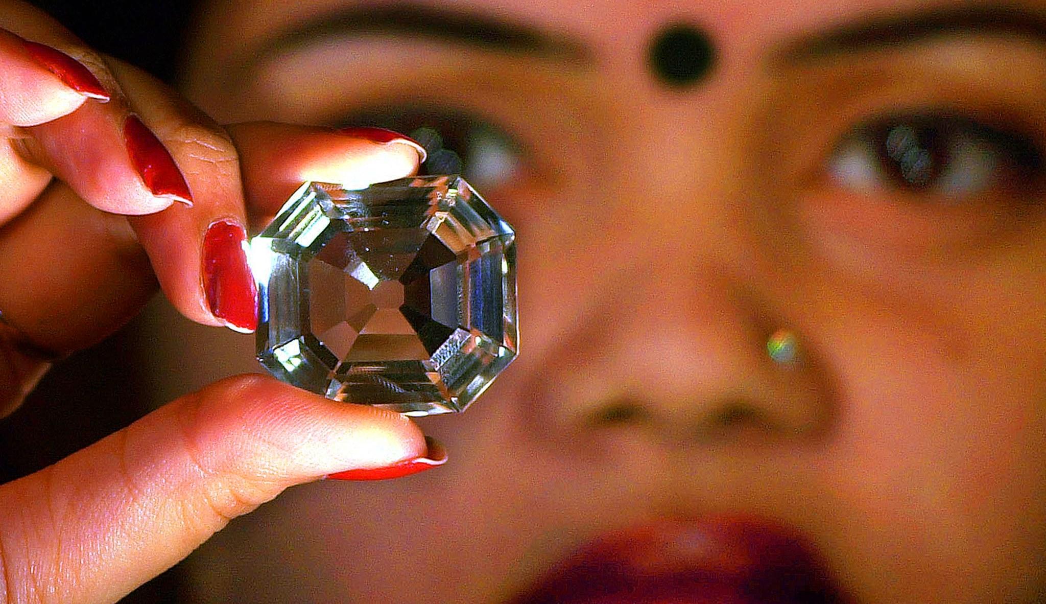 سرگذشت الماس کوه نور