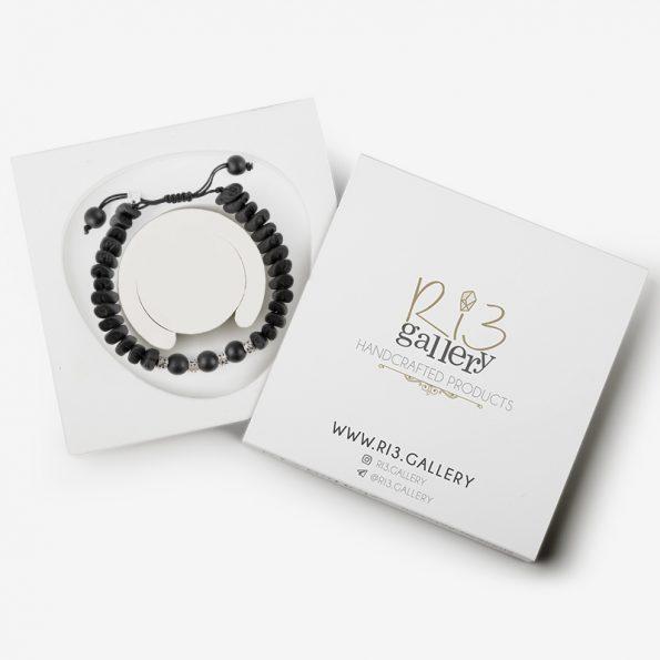 دستبند مشکی | ریسه گالری