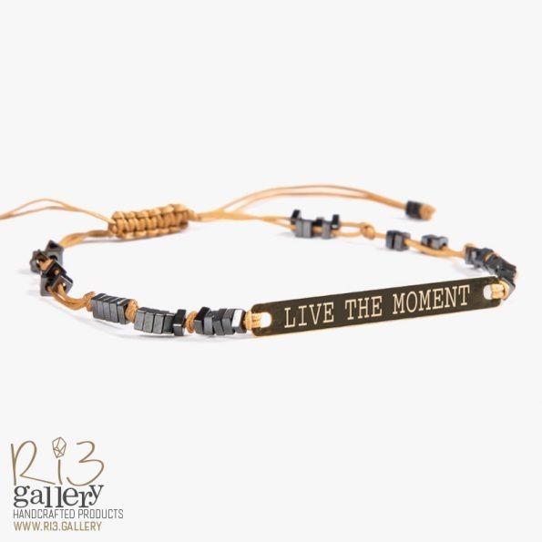دستبند پلاک طلا live the moment | ریسه گالری