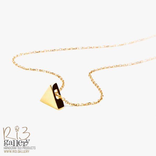 خرید آنلاین گردنبند طلای زنانه مثلثی