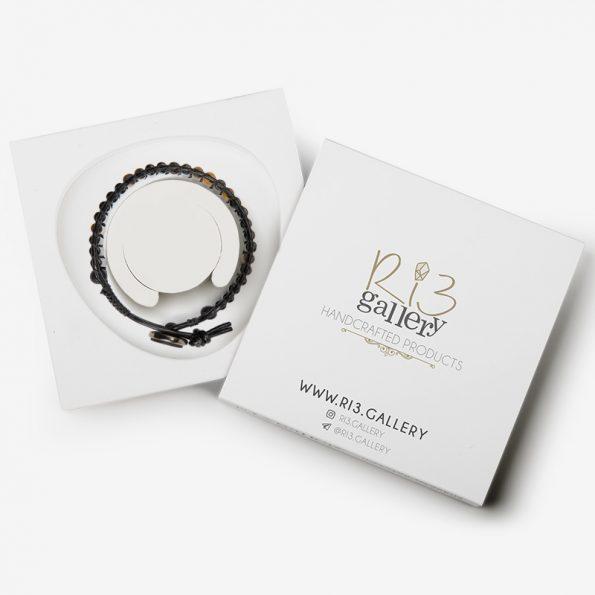 بسته بندی دستبند مردانه چشم ببر و عقیق