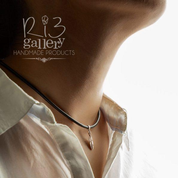 گردنبند نقره زنانه آویز طرح پر ریسه گالری