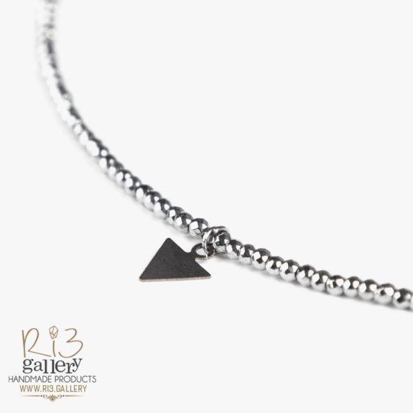 خرید آنلاین پابند طلا زنانه با آویز مثلث