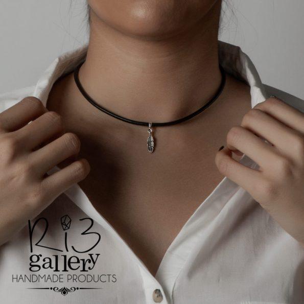 خرید آنلاین گردنبند نقره زنانه آویز طرح پر ریسه گالری