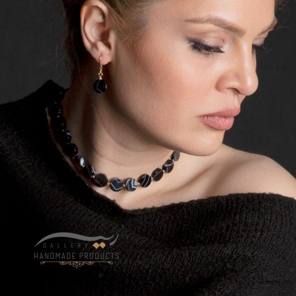 گردنبند طلا زنانه عقیق مشکی رگه دار فروشگاه زیورآلات دست ساز ریسه گالری
