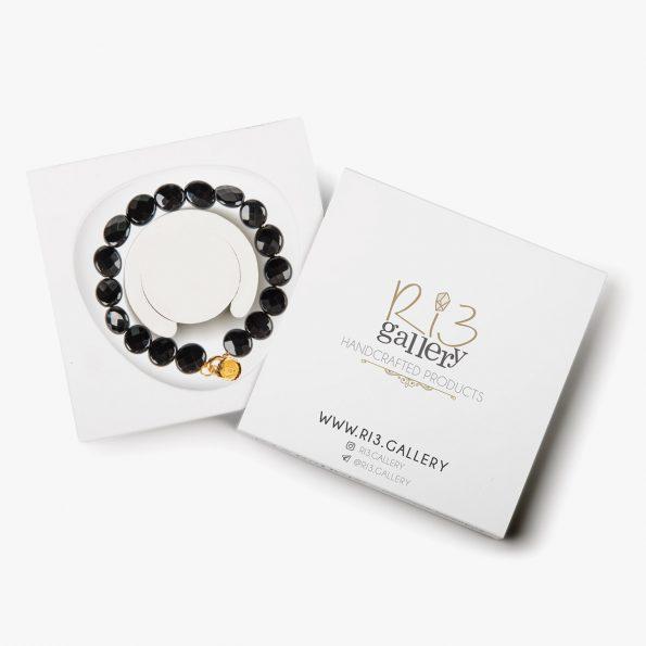 بسته بندی دستبند طلا زنانه ملکه سیاه فروشگاه اینترنتی زیورآلات دست ساز ریسه گالری