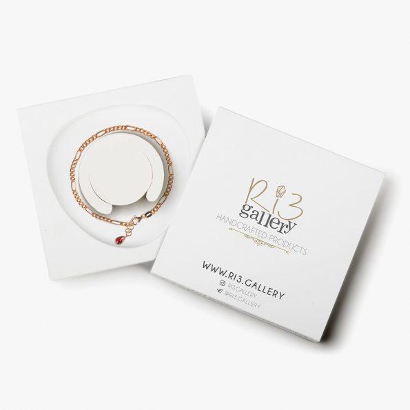 بسته بندی دستبند طلا زنانه فیگارو